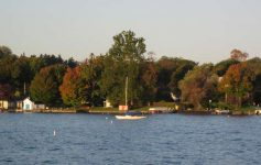 boat going by in Skaneateles Lake