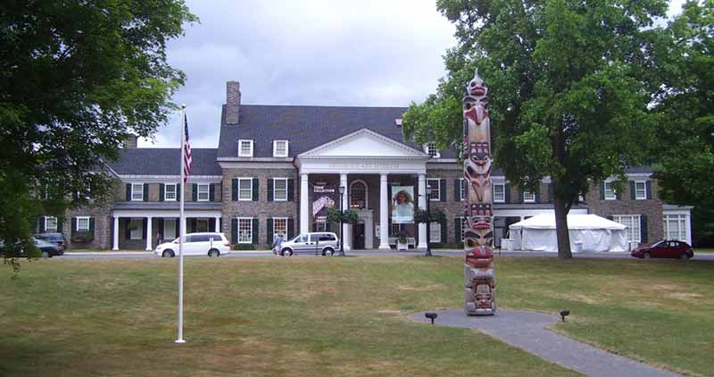 the front lawn, with authentic totem pole at Fenimore Art Museum